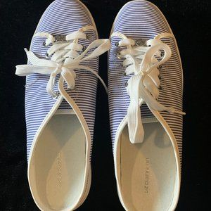 Liz Claiborne LC Wayna Slip On Mules Tennis Shoes